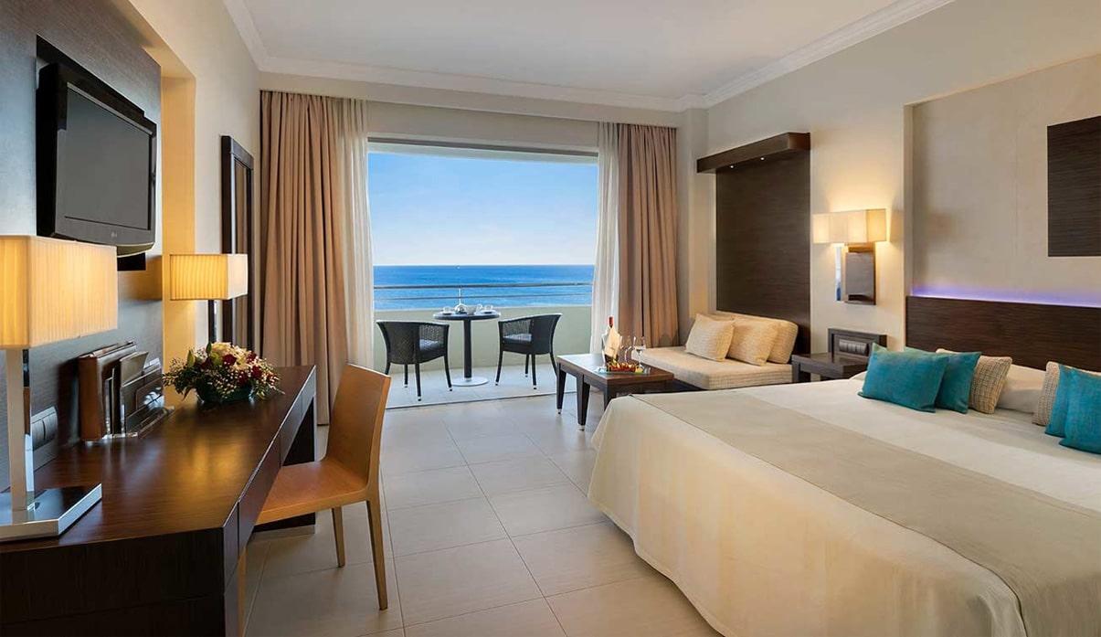 Chambre à l'hôtel Elysium à Faliraki dans l'île de Rhodes pour Pessah 2018